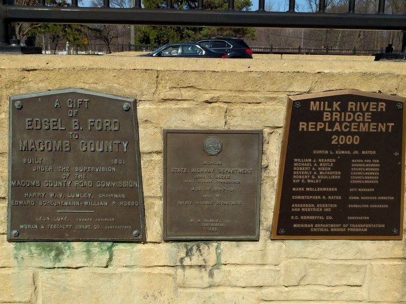 Plaques on the Milk River Bridge image. Click for full size.