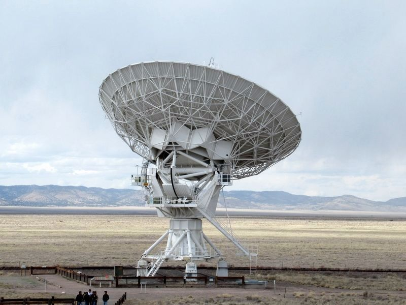 One of the 27 Radio Astronomy Dishes of the Very Large Array image. Click for full size.