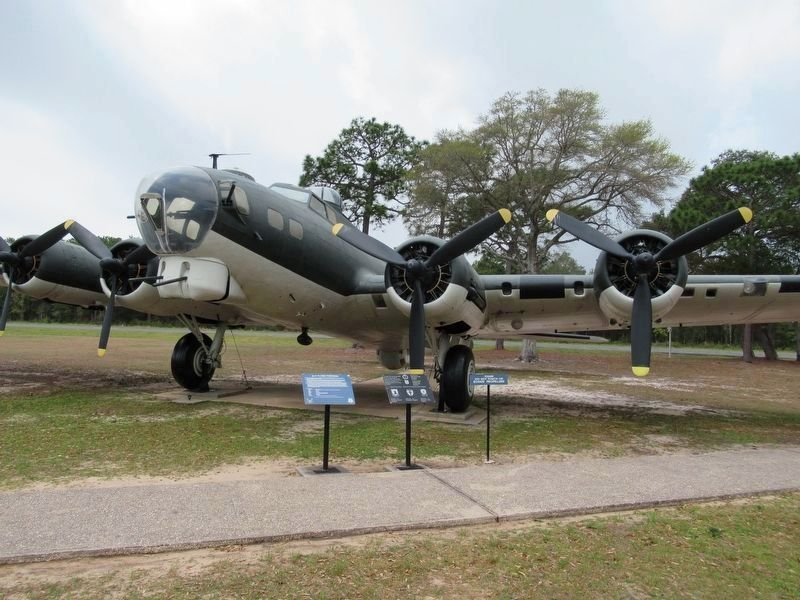 B-17 Flying Fortress & Markers image. Click for full size.