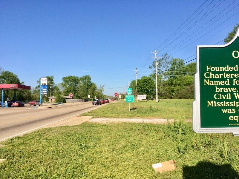 Looking west on Mississippi Highway 41. image. Click for full size.