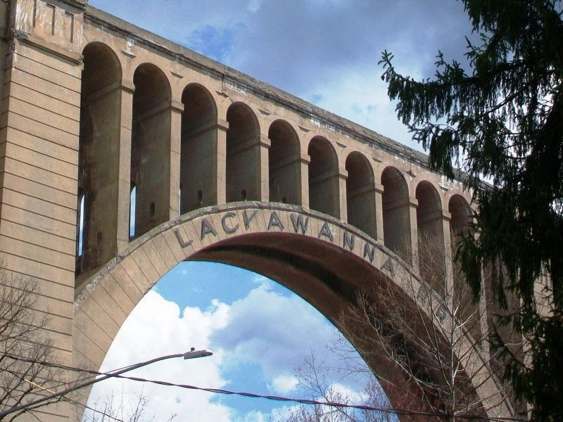 Lackawanna RR [Railroad] Name on Tunkhannock Viaduct image. Click for full size.