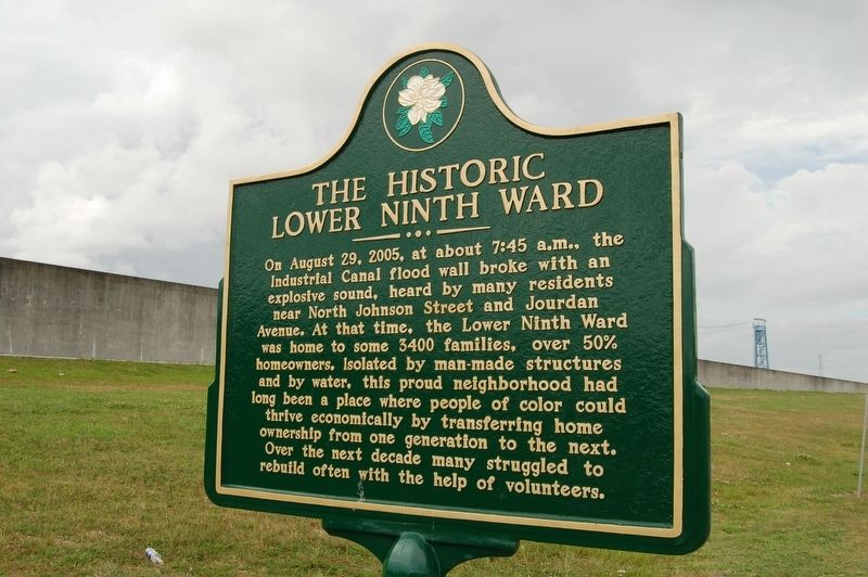 The Historic Lower Ninth Ward / Industrial Canal Flood Wall Marker image. Click for full size.