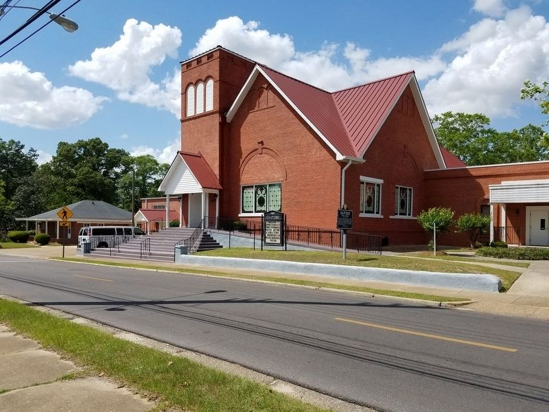 First Missionary Baptist Church image. Click for full size.
