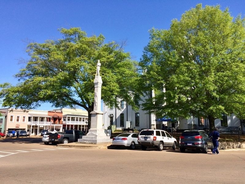 View of monument, courthouse and Courthouse Square. image. Click for full size.