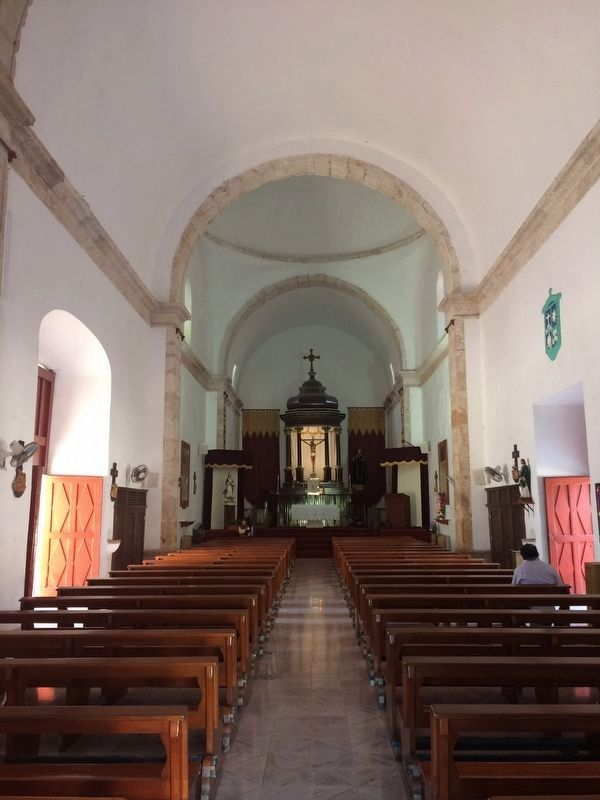 An interior view of the nearby Church of San Juan de Dios. image. Click for full size.