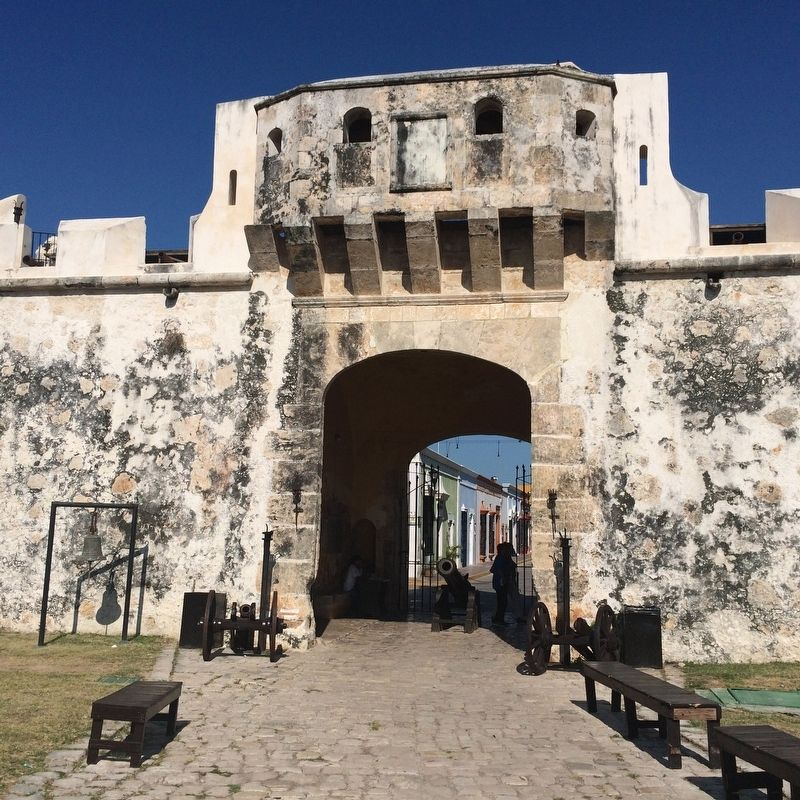 Campeche's Land Gate image. Click for full size.