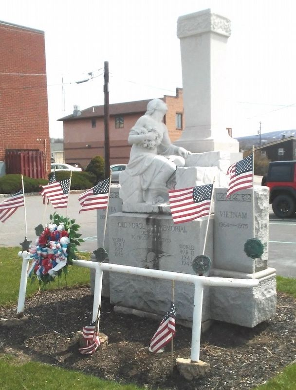Old Forge War Memorial image. Click for full size.