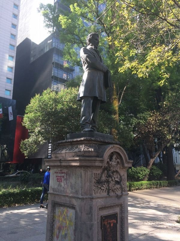 Francisco M. S. de Tagle statue and marker image. Click for full size.