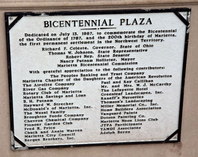 Bicentennial Plaza Plaque image. Click for full size.