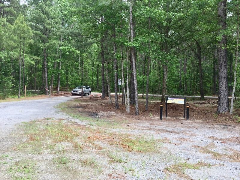 A small little picnic area was created for this marker. image. Click for full size.