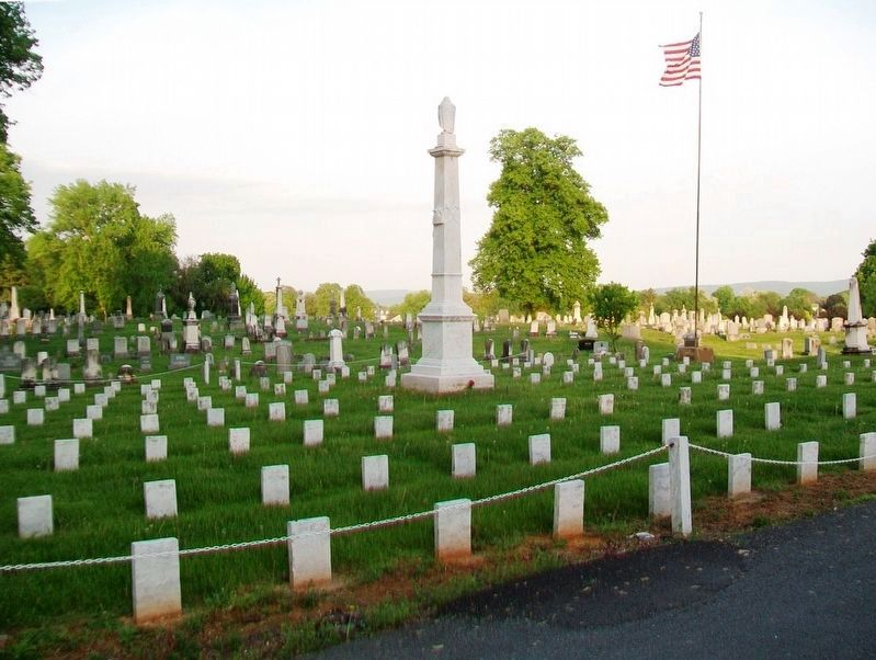 The Confederate Dead Monument and Soldiers' Plot image. Click for full size.