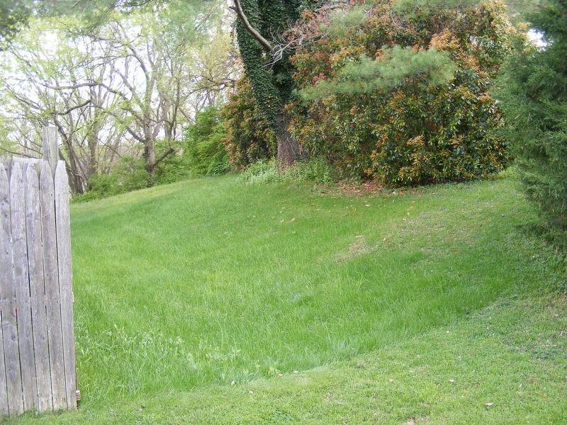 Remnant of Confederate redoubt on private property. image. Click for full size.