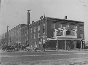 Kerns Hotel image. Click for full size.