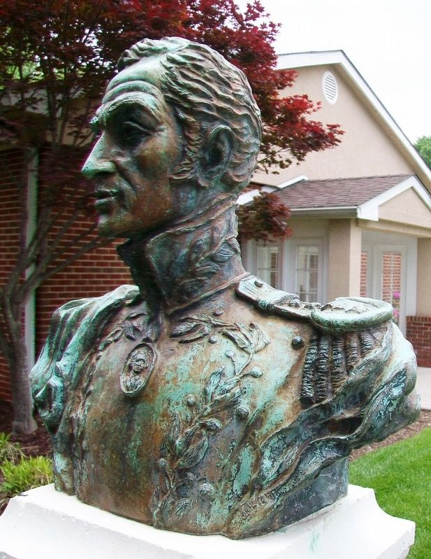 Bust of Simon Bolivar image. Click for full size.
