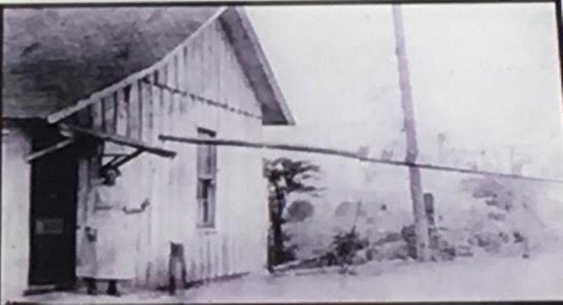 The Lewisburg Pike Tollhouse image. Click for full size.