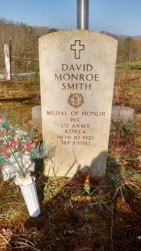 PFC David M. Smith Grave image. Click for full size.