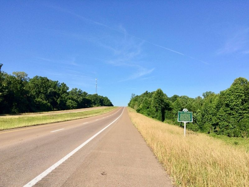 Looking south on U.S. Highway 61. image. Click for full size.