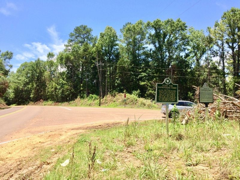 Grant at Hankinson's Ferry Marker looking south on Old Port Gibson Road. image. Click for full size.