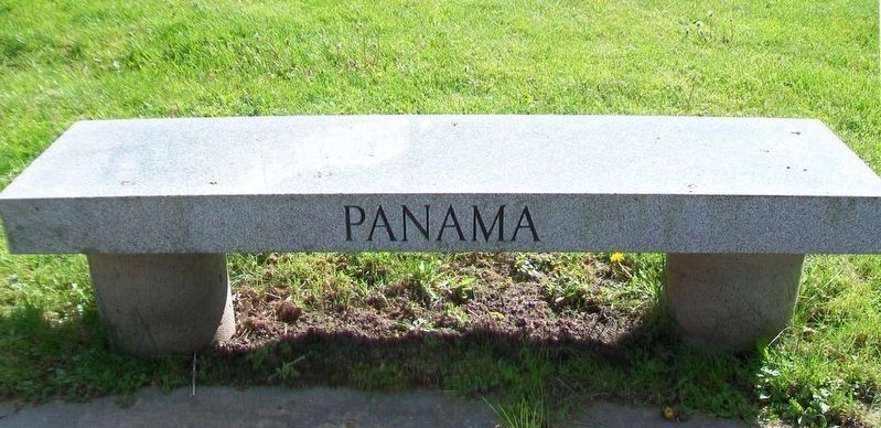 War Memorial Panama Bench image. Click for full size.