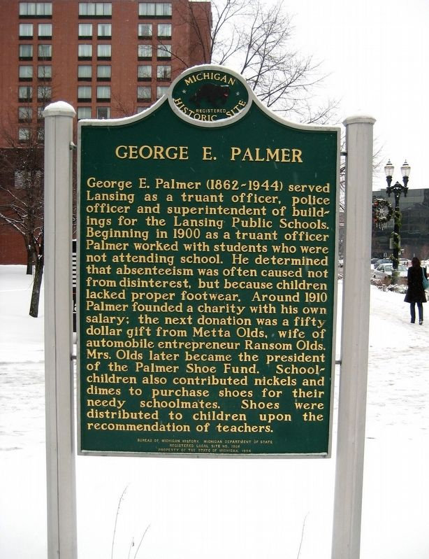 George E. Palmer / Old Newsboys Marker image. Click for full size.