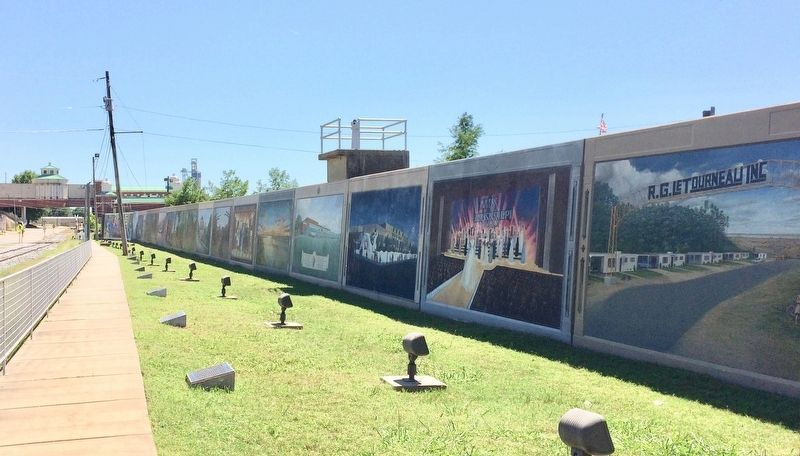 Vicksburg, Mississippi waterfront levee wall murals. image. Click for full size.