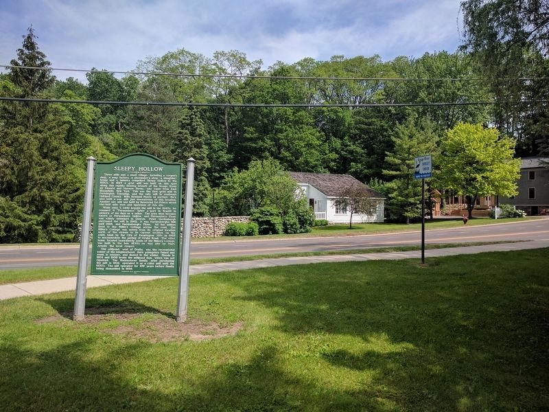 Sleepy Hollow Marker and Miller's Cottage image. Click for full size.