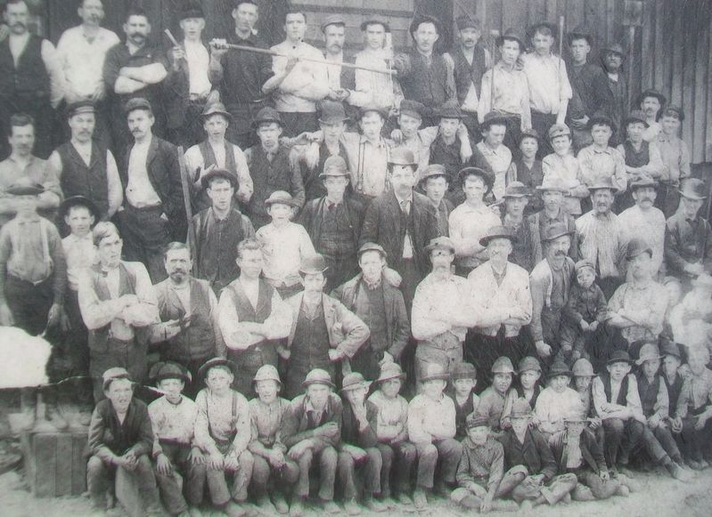 Dorflinger Glass Workers Photo on Marker image. Click for full size.