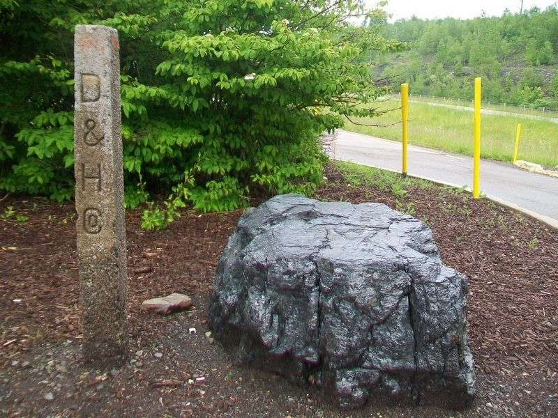 Anthracite Coal and D&H Company Marker image. Click for full size.