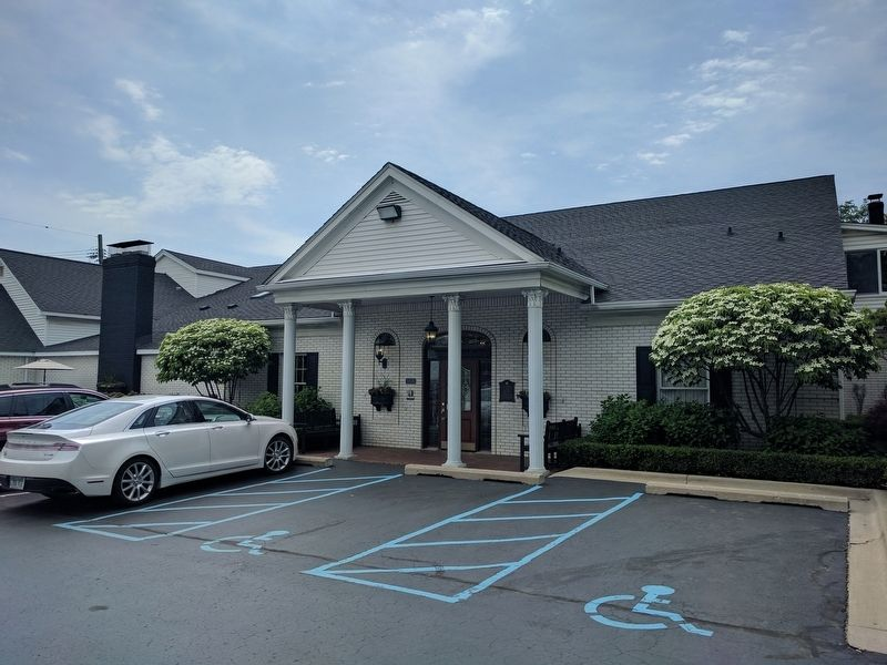 Heeney-Sundquist Funeral Home image. Click for full size.