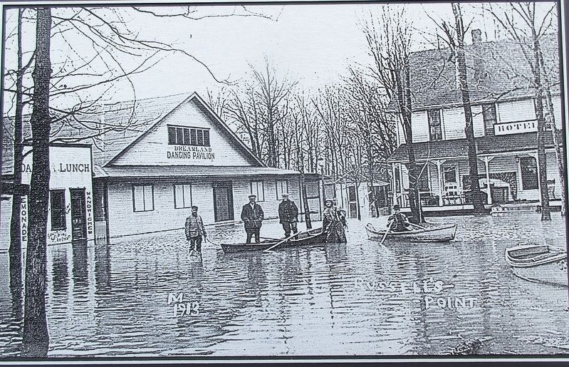 1913 Flood Marker image. Click for full size.