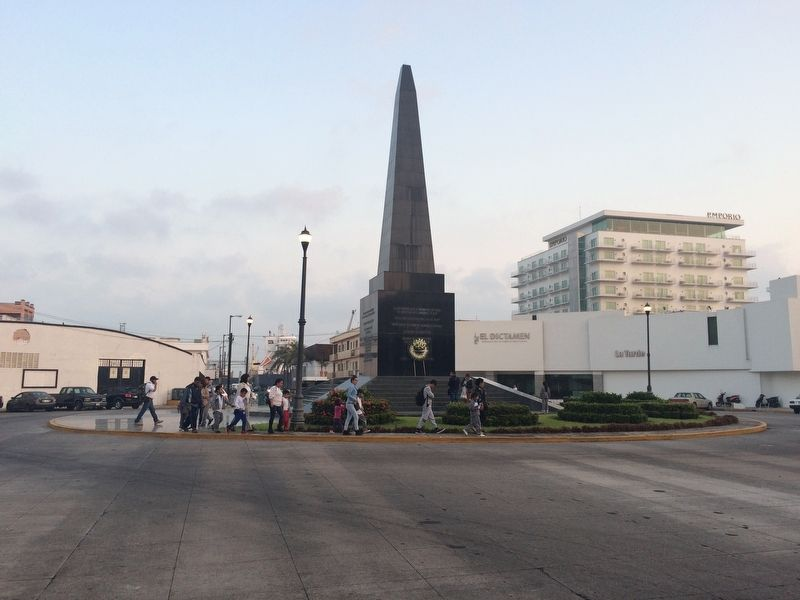 Veracruz Memorial to the Fallen of Foreign Invasions Marker image. Click for full size.
