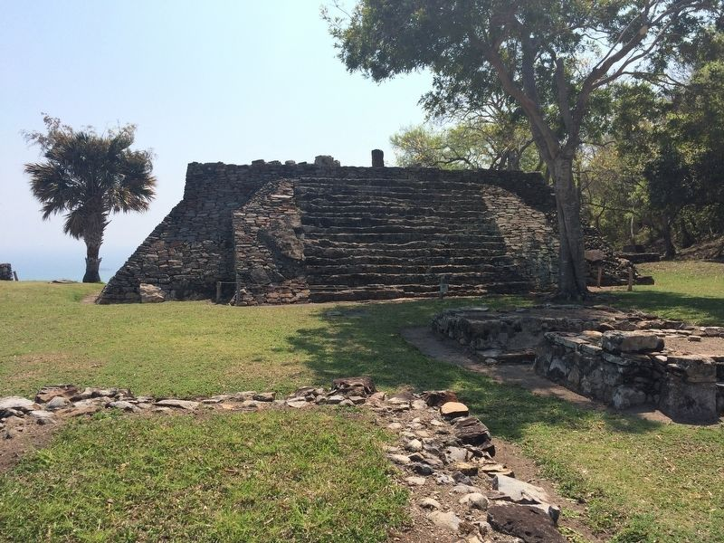 A pyramid at Quiahuiztlán image. Click for full size.