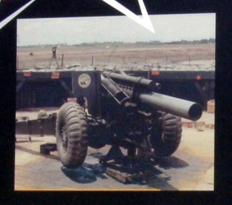 Insert - M101A1 105mm Howitzer image. Click for full size.