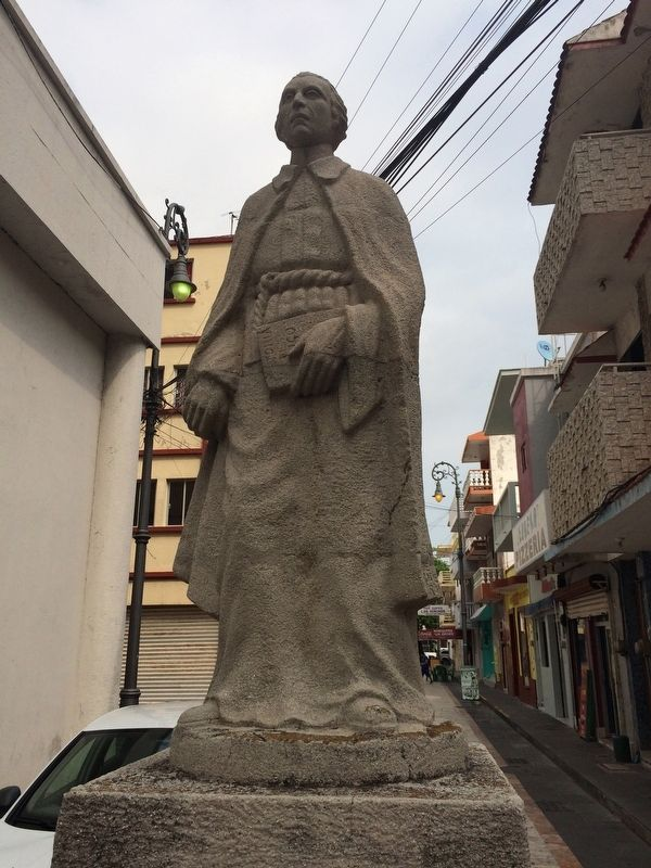 Francisco Javier Clavijero Echegaray statue image. Click for full size.
