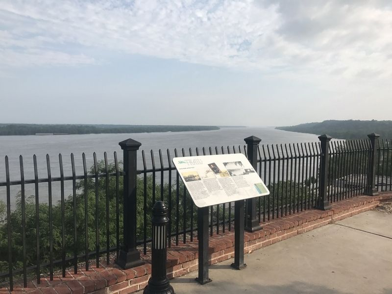 Natchez Bluffs and River Views Marker image. Click for full size.