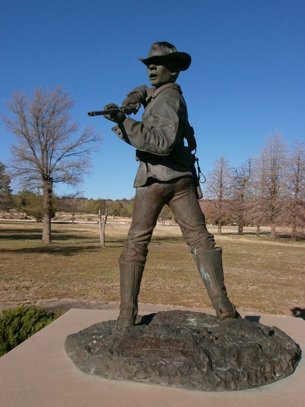 Statue of Cpl. Clinton Greaves image. Click for full size.
