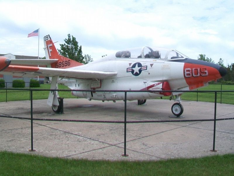 T-2C Buckeye image. Click for full size.