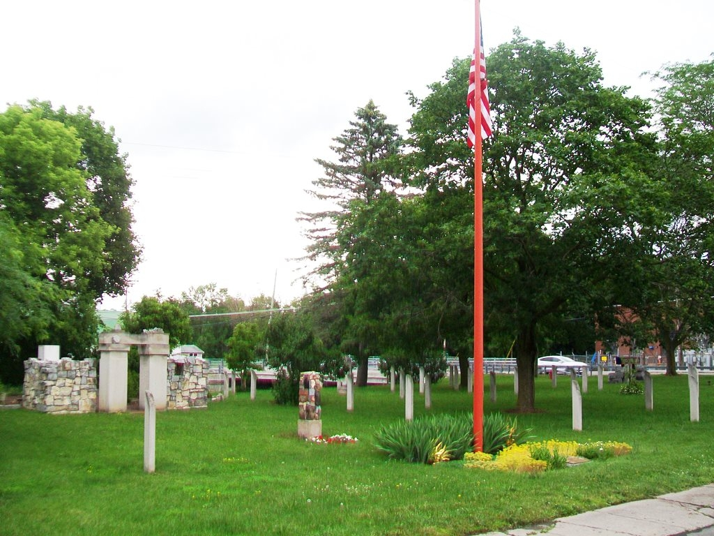 American Civil War Memorial Flagpole and Cenotaphs