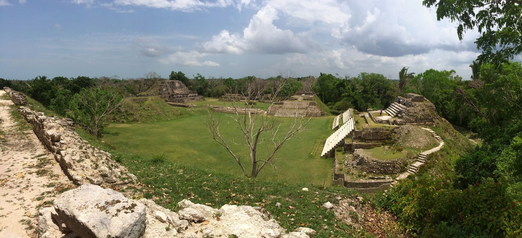 An overview of the Altun Ha site, seen towards the south. image. Click for full size.