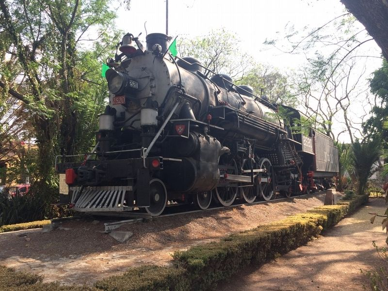 Engine 2520 of the National Railroads of Mexico at the Querétaro Railroad Station image. Click for full size.