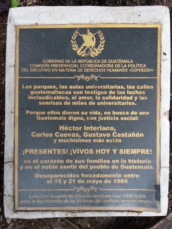 Memorial to Héctor Interiano, Carlos Cuevas and Gustavo Castañón Marker image. Click for full size.