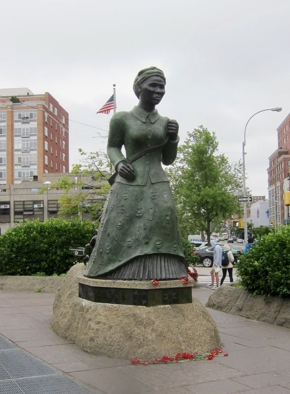 Swing Low: Harriet Tubman Memorial image. Click for full size.