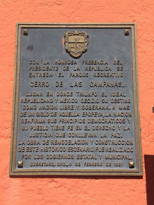 A nearby dedicatory marker for the Cerro de las Campanas remodeling in 1991 image. Click for full size.