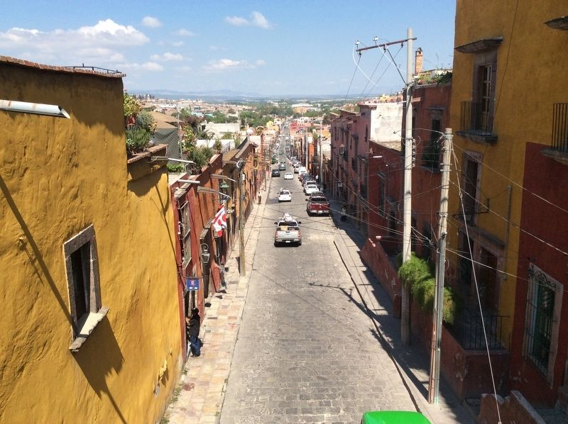 A view towards the west along Calle Canal from the Heroes' Bridge image. Click for full size.