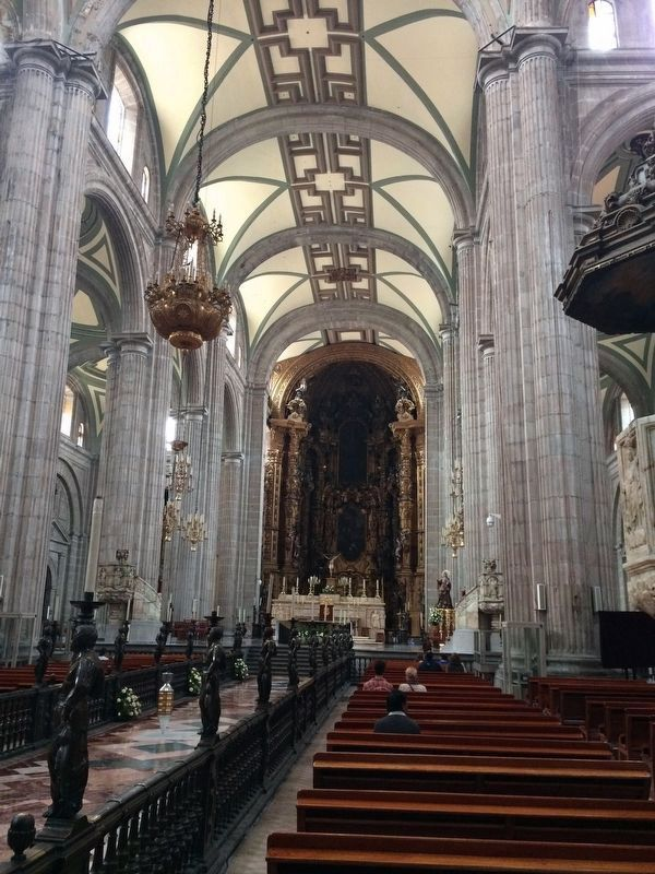 An interior view of the Cathedral of Mexico City image. Click for full size.
