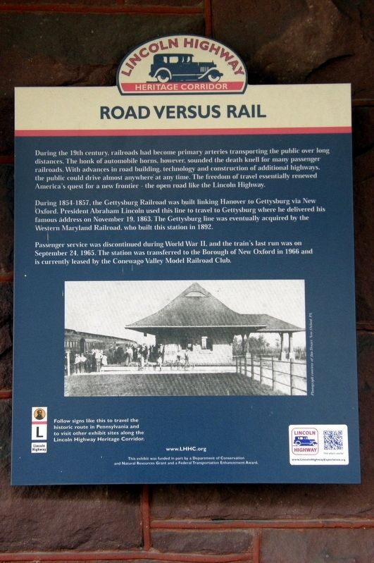Road Versus Rail Marker image. Click for full size.