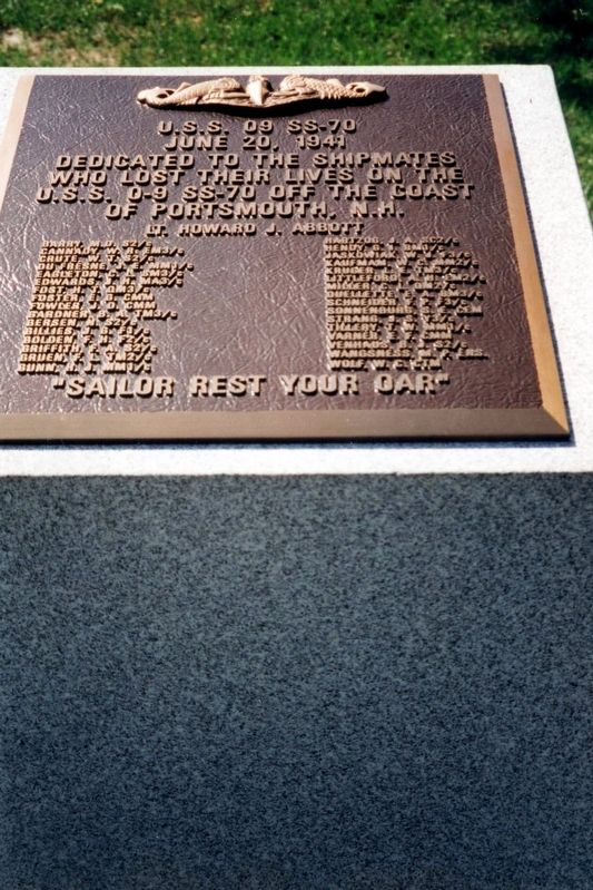 U.S.S. O9 SS-70 Memorial image. Click for full size.