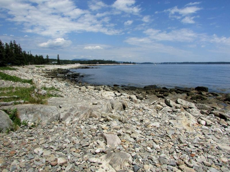 Natural Seawall on Mount Desert Island image. Click for full size.