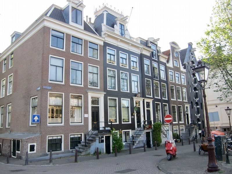 Keizersgracht 456-462 Residences and Marker image. Click for full size.