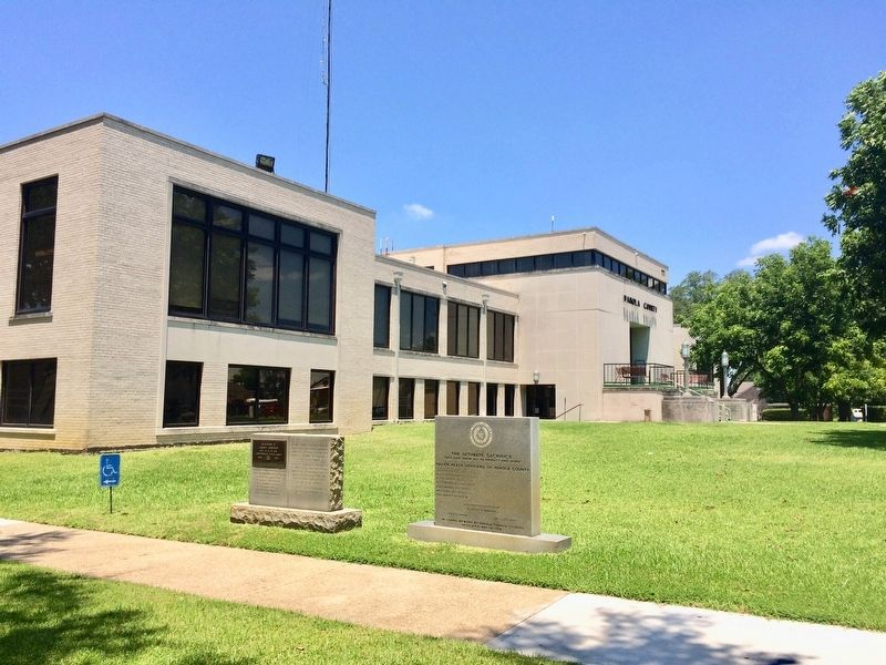 Monument to side of Panola County Courthouse. image. Click for full size.